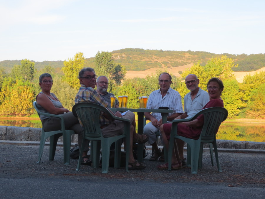 Depuis la gauche : Françoise, Jean, Guy, Denis, André et Danièle.